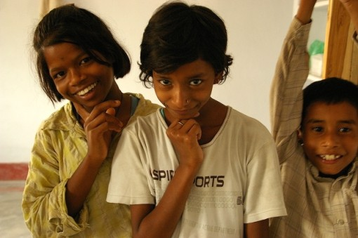 インド ブッダ・ガヤ お茶目なホームステイ先の子供達