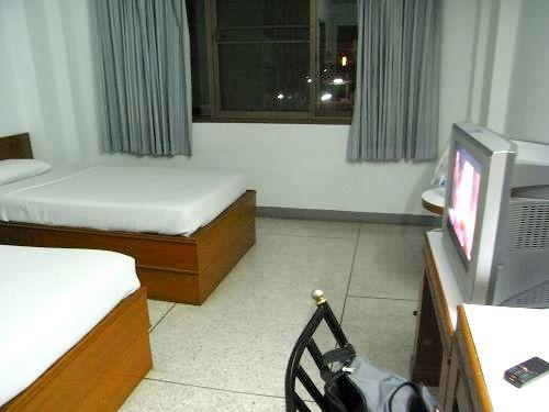 【ウボン】TOKYOホテル(TOKYO HOTEL)