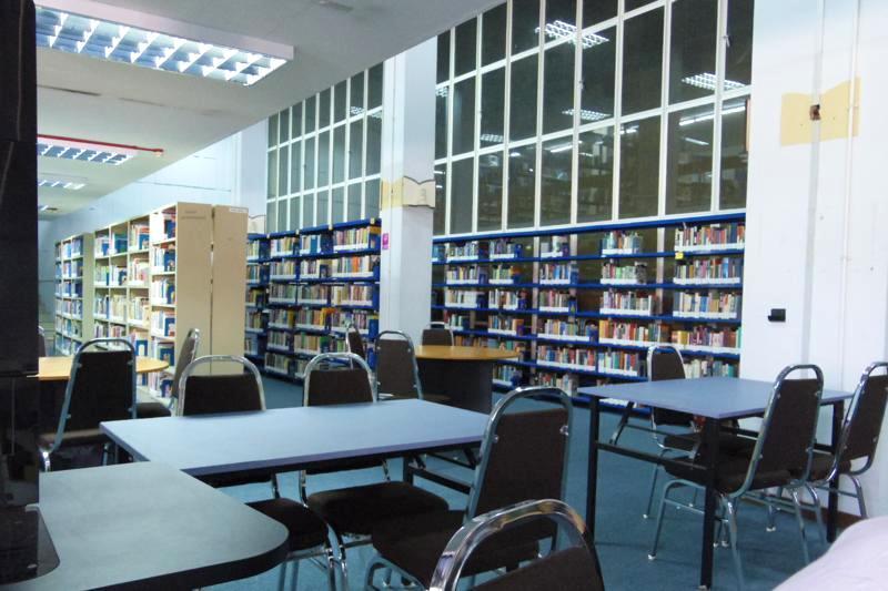 ブルネイ フリー WiFi 図書館
