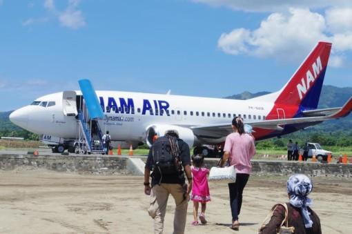 移動 飛行機 maumere kupang マウメレ クパン