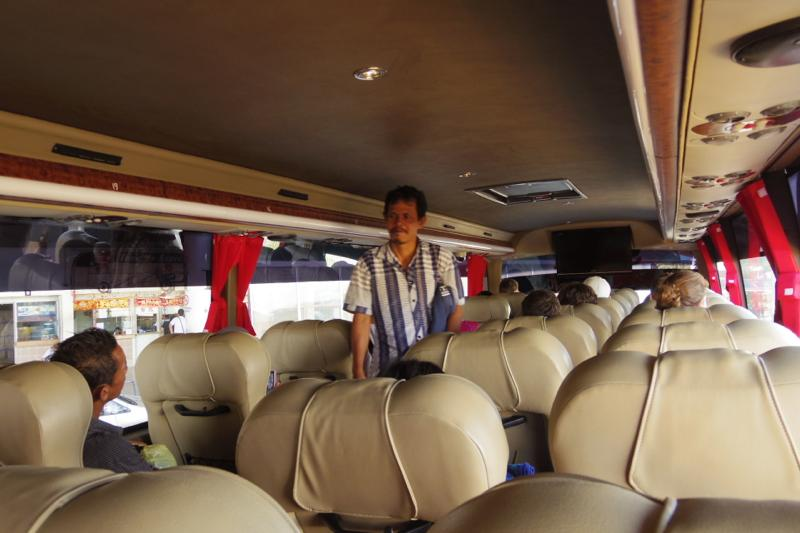 コタキナバル サンダカン バス kotakinabaru Sandakan bus