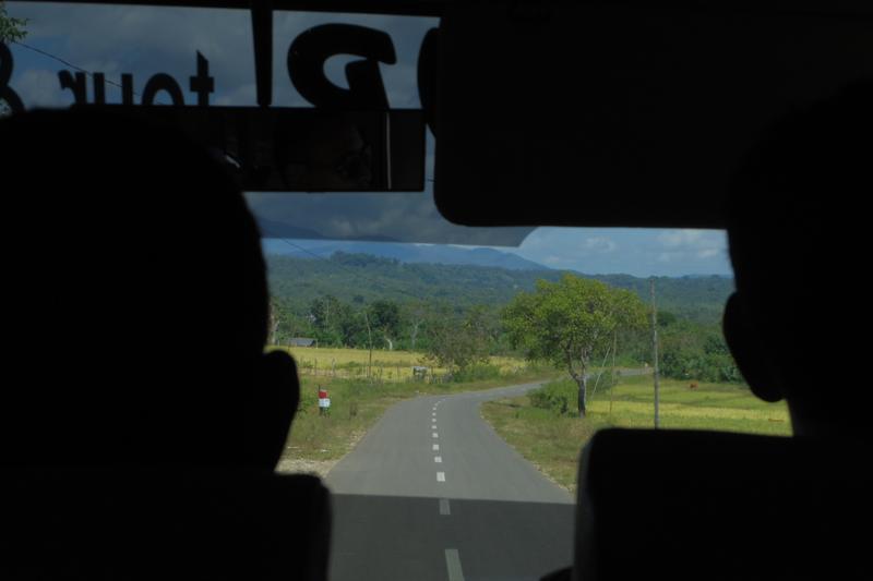 東ティモール ディリ 陸路国境越え インドネシア クパン
