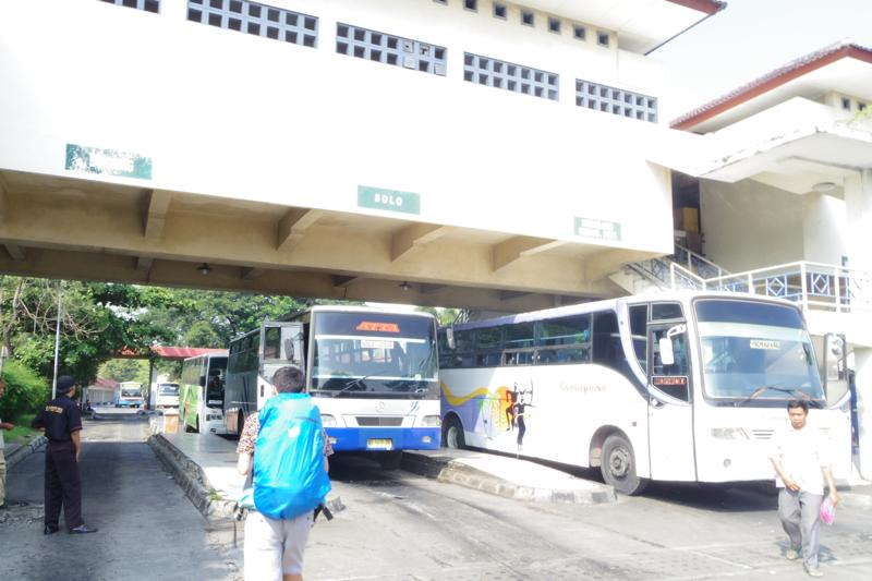 ジョクジャカルタ パンガンダラン pangandaran バス