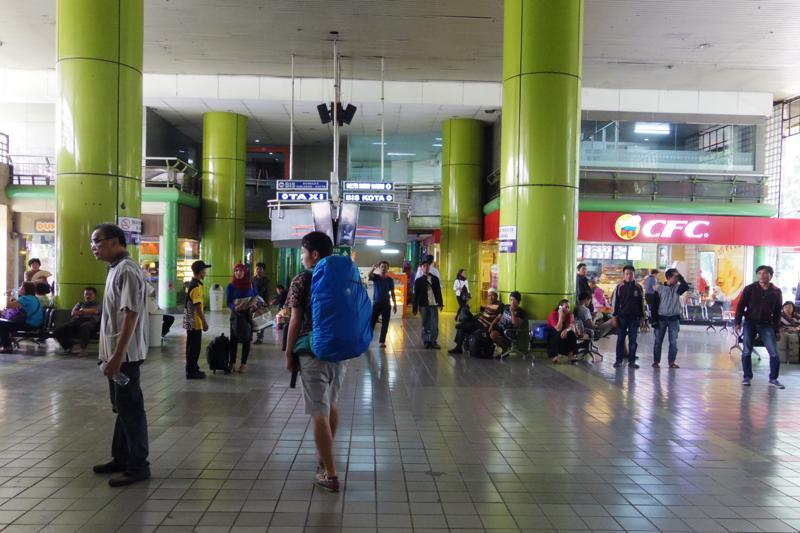 ジャカルタ バンドン 列車 Jakarta Bandung