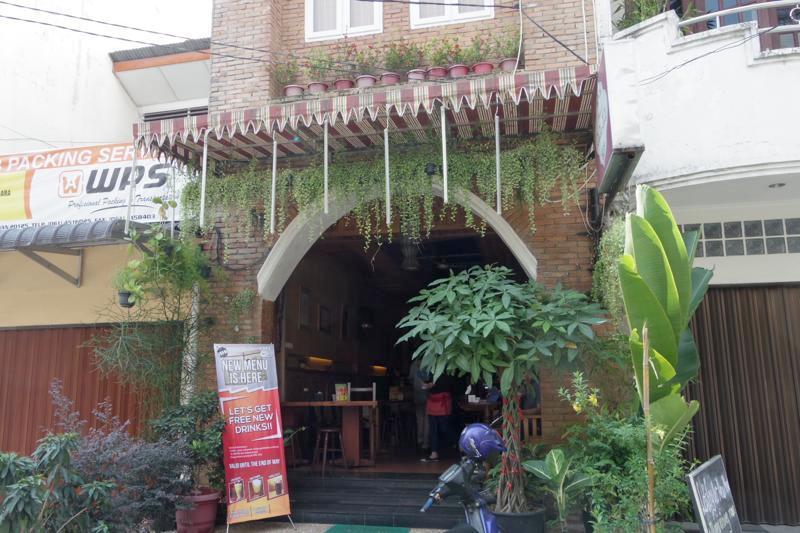 メダン Medan 安宿 guest house ゲストハウス House of Zaza Zizi