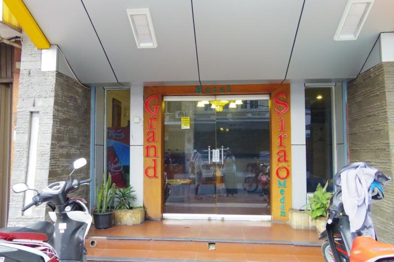メダン Medan 安宿 グランド シラオ ホテル Grand Sirao Hotel