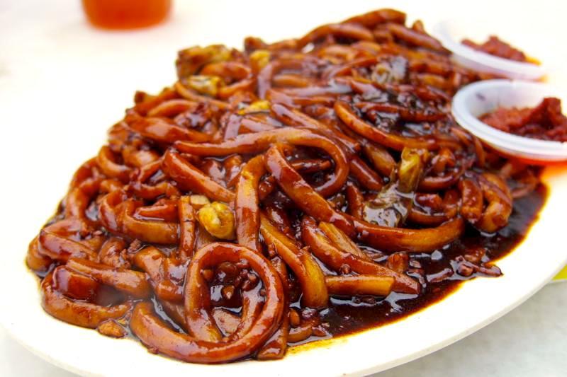 【マラッカ】炭火で焼くこだわりの福建麺(ホッケンミー)屋台