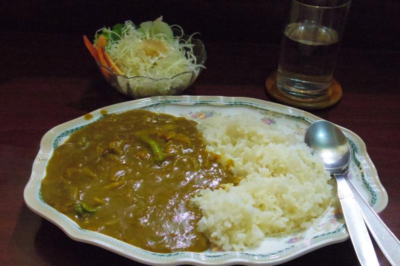 【カトマンズ】日本と同じカレーライスが食べられる日本人経営の食堂『ロータス』