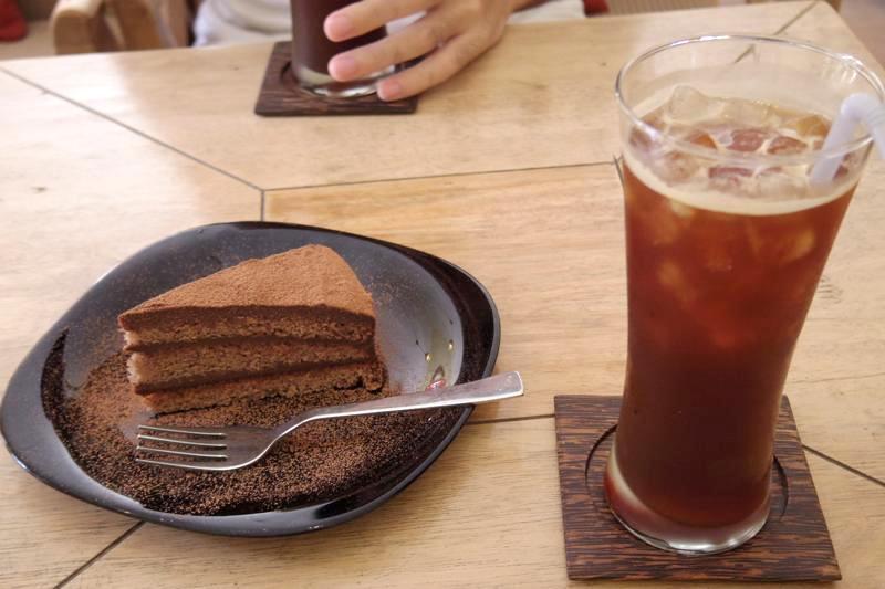 【カトマンズ】本格的な美味しいコーヒーとケーキを出す素敵なカフェ『THE COFFEE』
