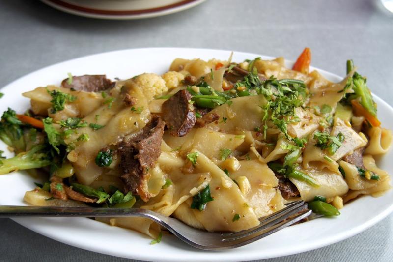 【ダラムサラ】フライドマトンテントゥックが美味しい!『ロータスリーフ レストラン(Lotus Leaf)』