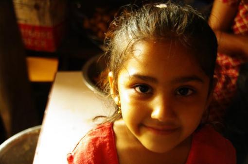 ネパール・タンセンで5年振りの再会、子供達への届け物 その1