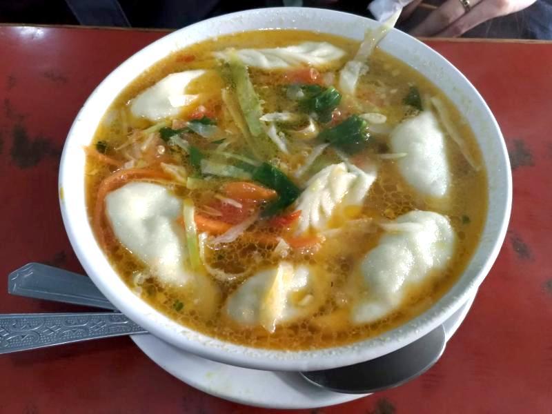 【ダラムサラ】韓国人とチベット人夫婦が経営するお手頃なチベット料理『ピースカフェ(Peace Cafe)』