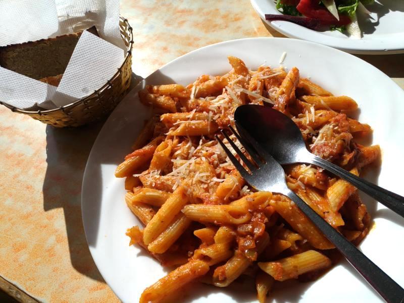 【ダラムサラ】ケーキとパスタが美味しい『Nick's Italian Kitchen』