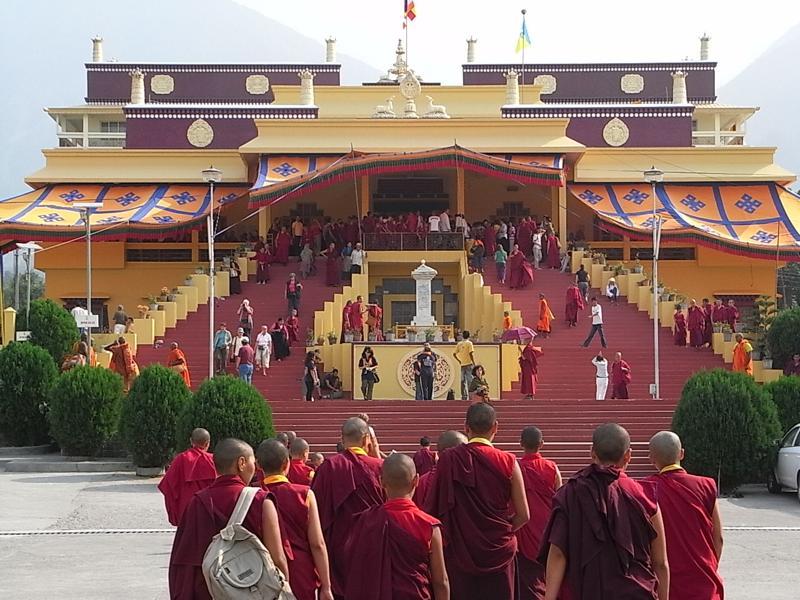 ダラムサラ カルマパ17世 謁見方法 ギュトー寺