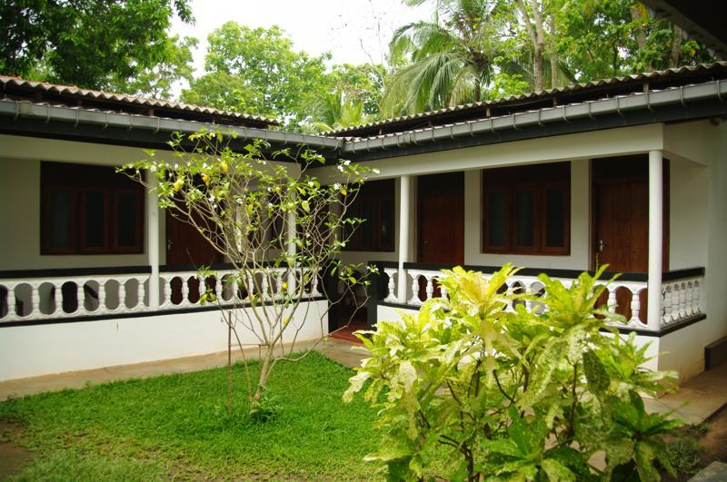 シーギリヤ Sigiriya 安宿 ゲストハウス ラクミニロッジ Lakmini Lodge)