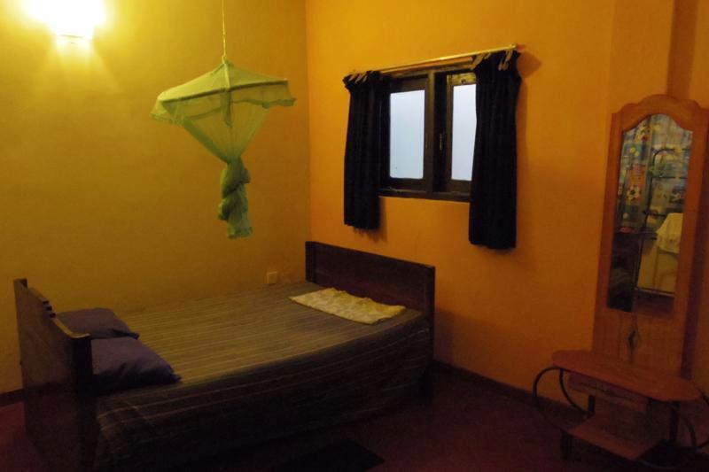 【コロンボ】オーナーの人柄がとても素敵な朝食付の安宿『ダムミカ ホーム (Dammika Home)』