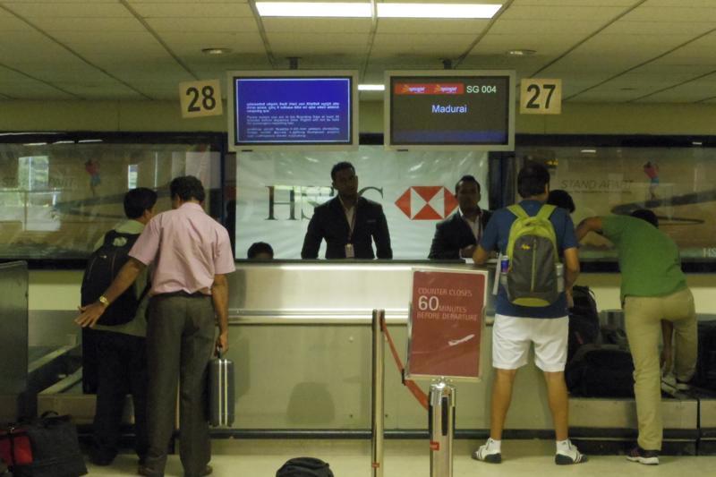 コロンボ 空港 スパイスジェット SPICE Jet チェックイン