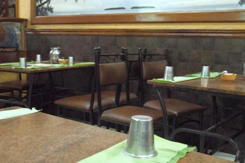 バンガロール 美味しい 安いミールス HOTEL NARTHAKI