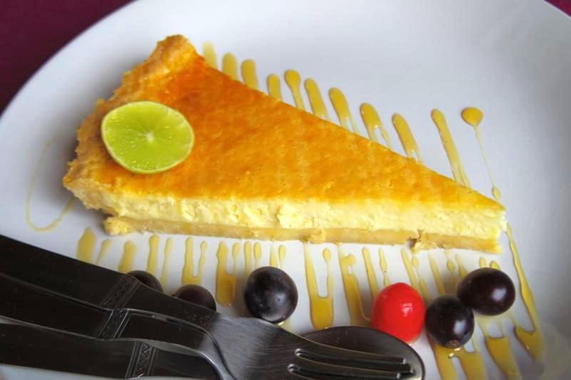 【ハンピ】まるで日本で食べるチーズケーキ!?スイーツもピザも美味しい『Funky Monkey Restaurant』