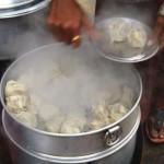 【コルカタ】カレーに飽きたら華人の朝市場へ!美味しい焼売、肉まんや胡麻団子が食べれる!