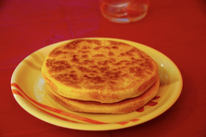 ブッダガヤの朝食は是非ここで!チベットパンの専門屋台!?『BHNESHAR』