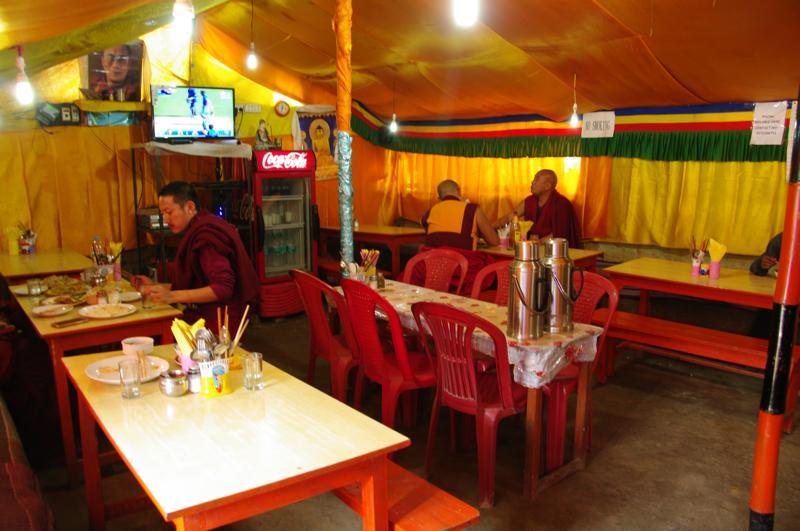 ブッダガヤ チベット料理 モモ チベットレストラン LAHASA RESTAURANT