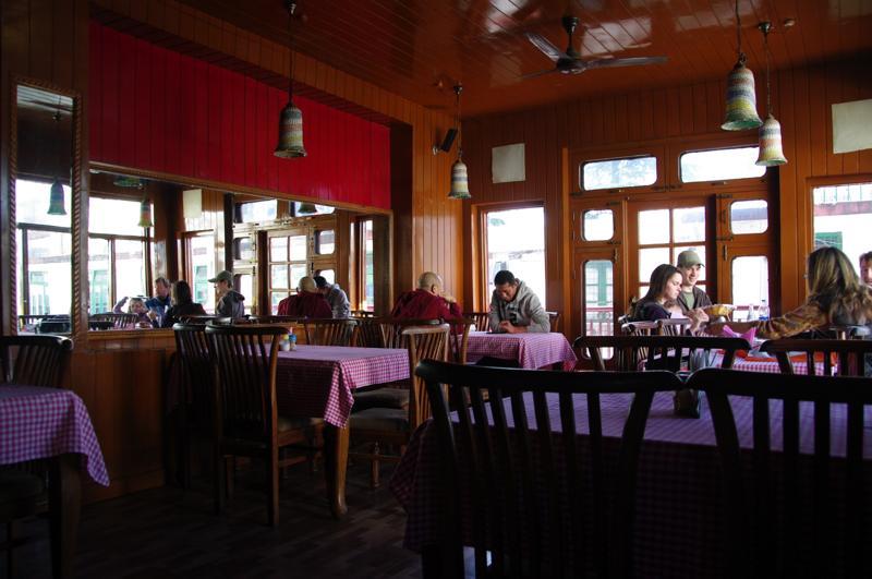 インド ダラムサラ アショカレストラン インド料理 Ahoka Restaurant
