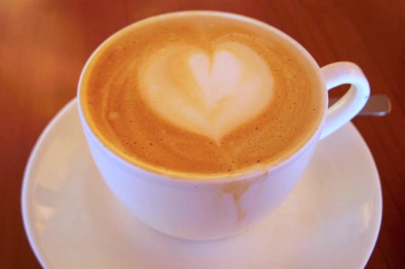 ダラムサラ 美味しいコーヒー カプチーノ Coffee Talk