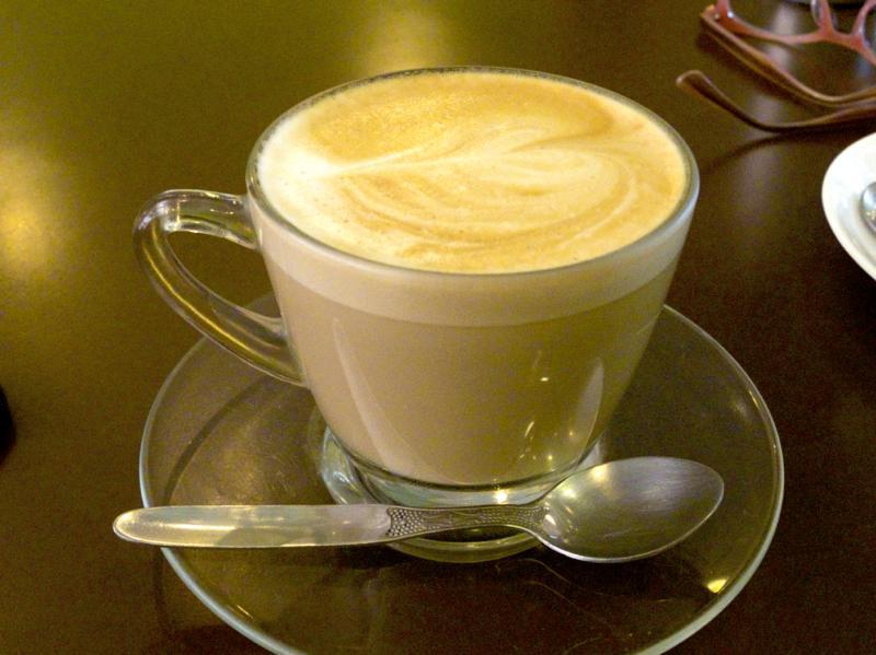 ダラムサラ カフェ 美味しい SNOW LION