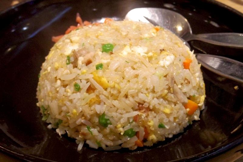 【バンコク】お手頃値段で日本と同じクオリティのチャーハンが食べれる『8番ラーメン』
