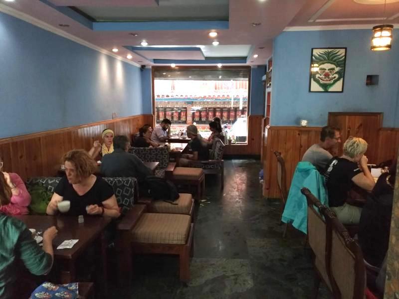 濃いめのエスプレッソで淹れるカプチーノが美味しい『SNOW LION CAFE』