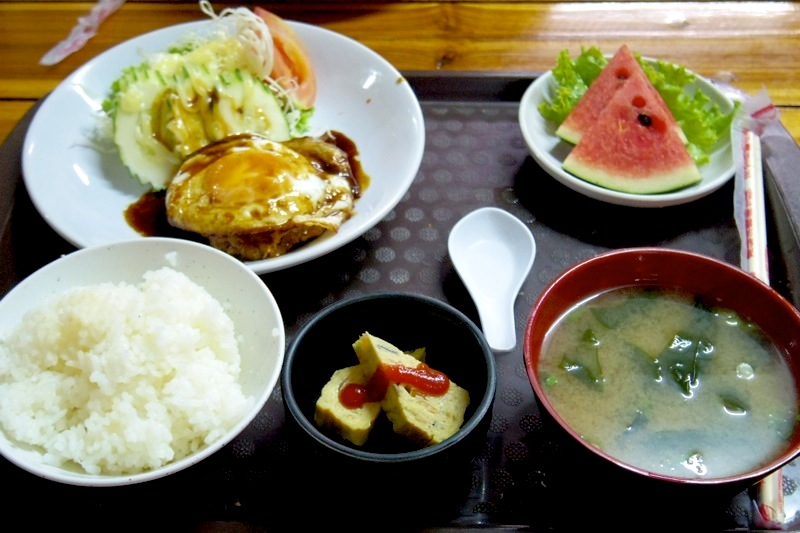 チェンマイ 日本食 安い 美味しい ごはん亭
