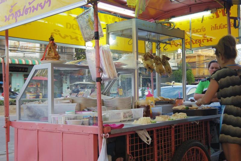 スコータイ 新市街 美味しい カオマンガイ 屋台