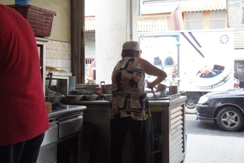 太平タイピン 美味しい ワンタンミー・ドライ 雲呑麺 東亜