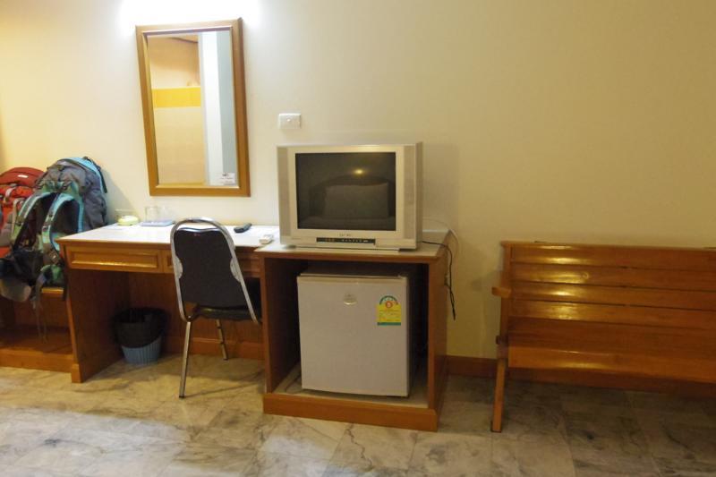 ピッサヌローク 安宿 ホテル ゲストハウス