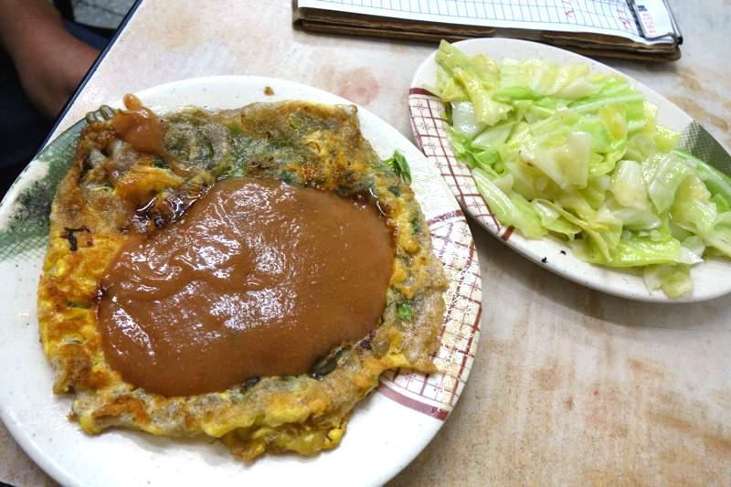 台北オススメ 寧夏夜市 方家 鶏肉飯 牡蠣オムレツ