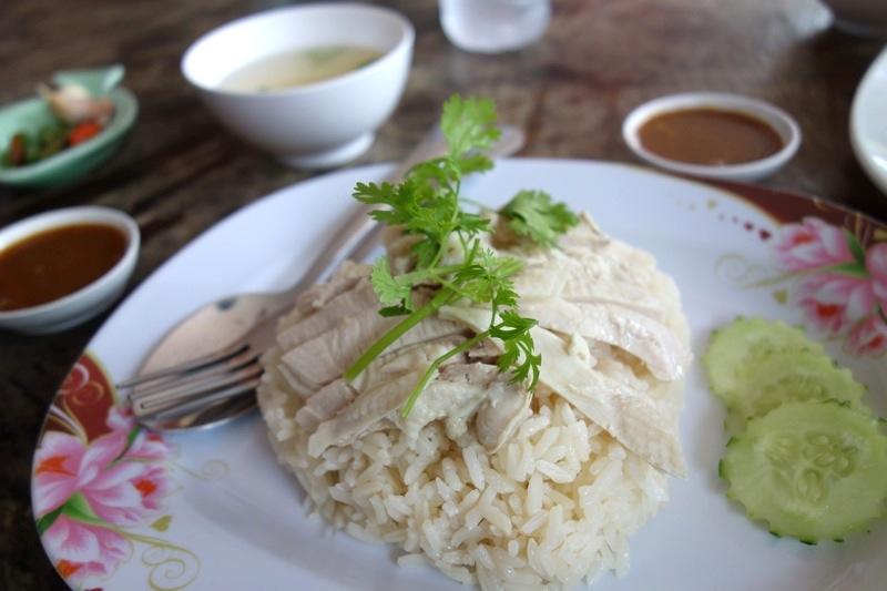 ミャンマー国境メーソート ミャワディー ビザラン行き方 ピッサヌローク スコータイ バスミニバン