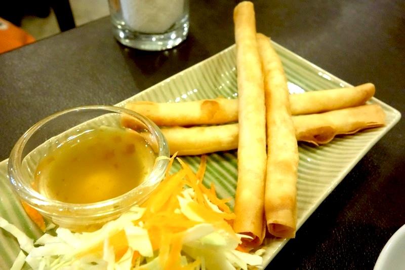 ピッサヌローク Phitsanulok タイレストラン 美味しい Grandpa's house