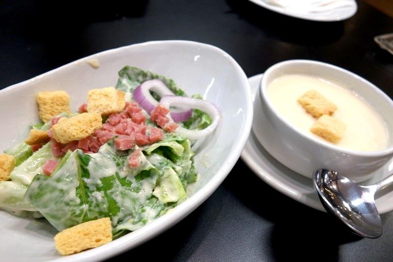 タイ SANTA FE サンタフェ ステーキ チキン レストラン