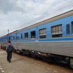 ウッタラディットからピッサヌロークまで列車での行き方。