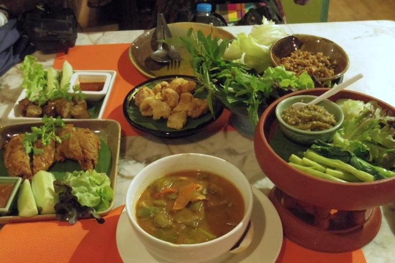 チェンマイに来たら食べておきたい!北タイ料理専門の老舗レストラン『フアン ペン』