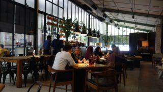 【イポー】洒落た広々としたカフェでゆっくりしたいならココ!『Plan b』