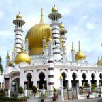 マレーシアで最も美しいと言われているウブディアモスクへ。
