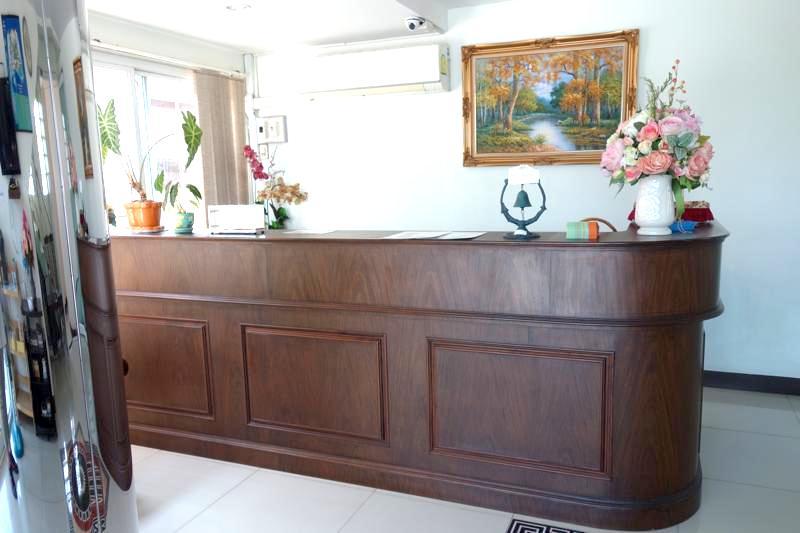 アユタヤ駅近 おトク安ホテル キレイ清潔コスパ良し テバラジ プレイス Taevaraj Place