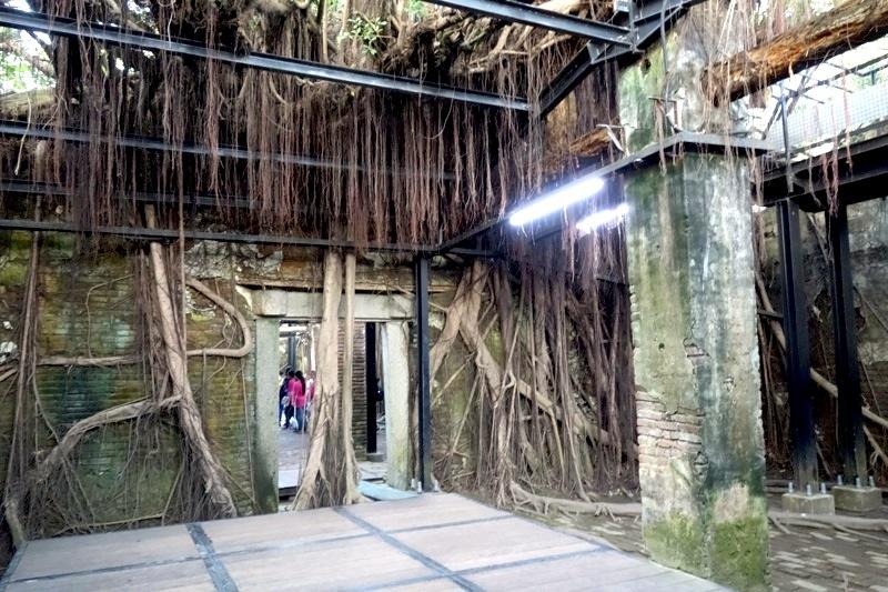 台南安平 見所見どころ 天空の城ラピュタ 安平樹屋