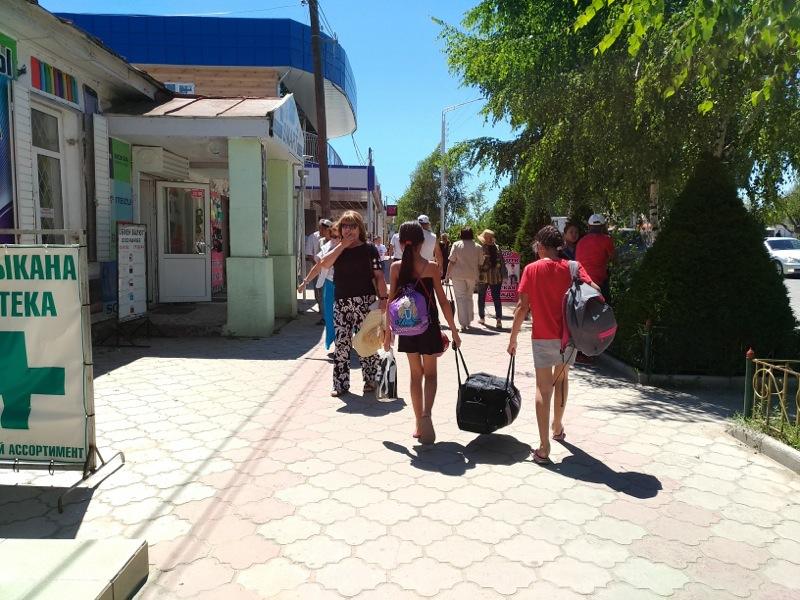 キルギス移動 ビシュケクからチョルポンアタ チョルポン・アタまで バス 行き方
