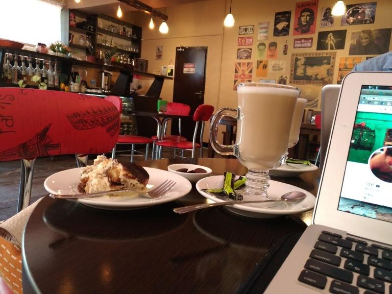 カラコル ノマド目的に毎日通ったリーズナブルなカフェ Vista Coffee