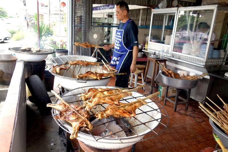 【コンケーン】超絶品ガイヤーンが食べれるレストランといったらココ!『ガイヤーン・ラビアップ』