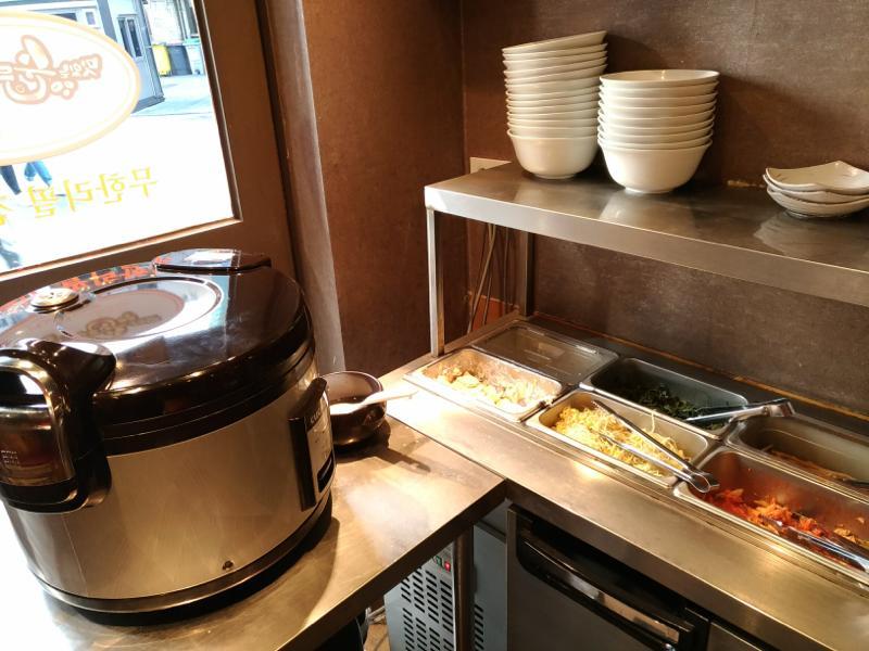 【新村】ご飯とおかずがおかわり自由!値段も大満足の美味しいスンドゥブ専門店!