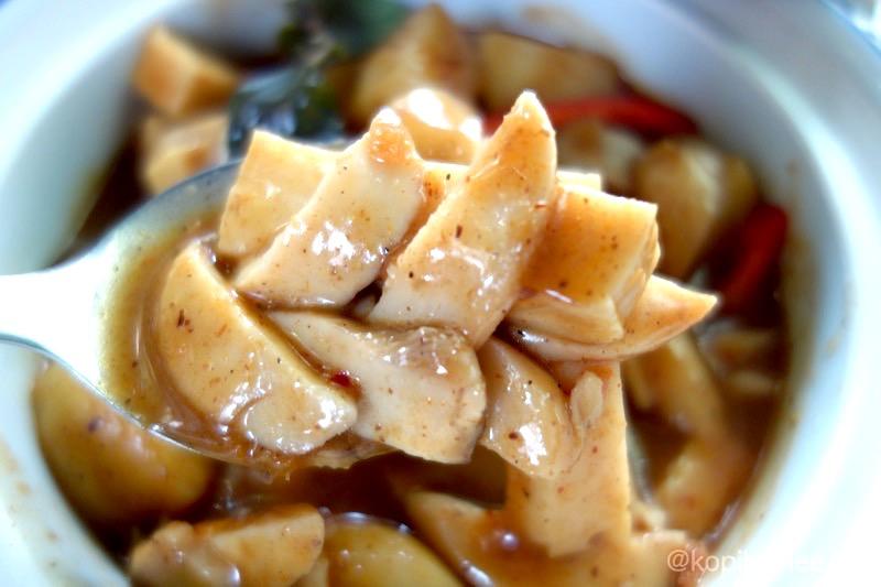 【チェンマイ】キノコのマッサマンカレーがとても美味しい!ベジレストラン!「Massaman House」